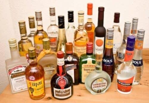 На фото разные виды алкоголя, требующие лицезирования