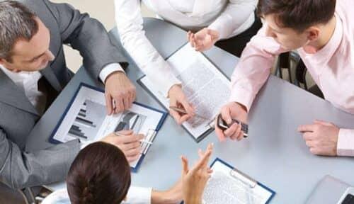 Рекламные агенты должны обладать рядом необходимых навыков, поэтому постоянно проходят обучающие курсы
